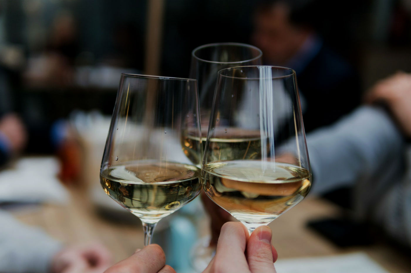 wine-tossing